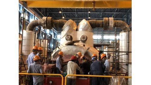 大林電廠機組保固大修之二號機發電機組高壓汽機回裝完成