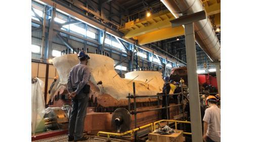 大林電廠機組保固大修之二號機發電機組中壓汽機回裝完成
