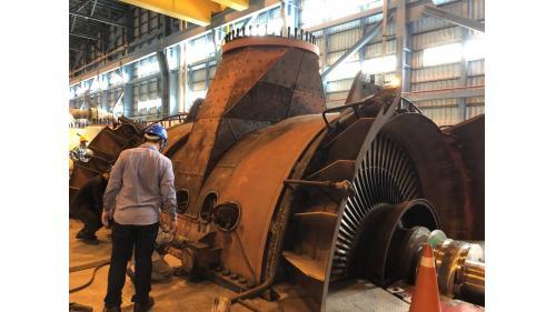 大林電廠機組保固大修之二號機發電機組LPA低壓汽機回裝情形