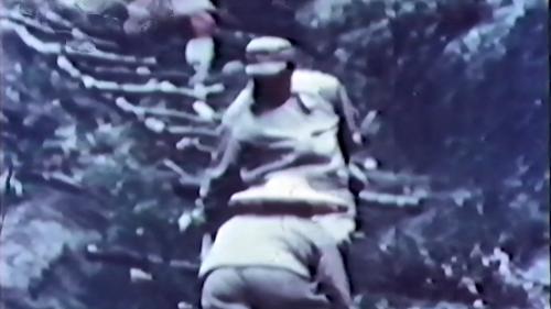 中部橫貫公路興建中,榮工先鋒部隊,爬山涉嶺測量定線: :台灣中部東西橫貫公路,跨越叢山峻嶺,全長287公里 ,即由榮工處工程總隊榮民六千多人以三年的時間開闢築成。