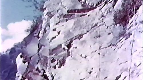 中部橫貫公路興建時的垂岩峭壁