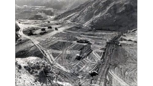 壯觀的曾文大壩施工