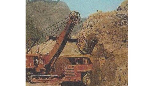 曾文水庫:35噸頃卸車裝車