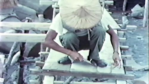 榮工處承辦大武漁港工程以人力建製工作架