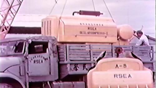 榮工處重機械廠:吊運大型機械