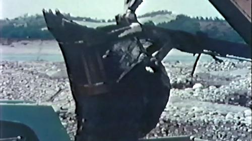 榮工處砂石廠:以機械採集砂石