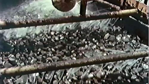 榮工處砂石廠:清洗砂石上的泥沙