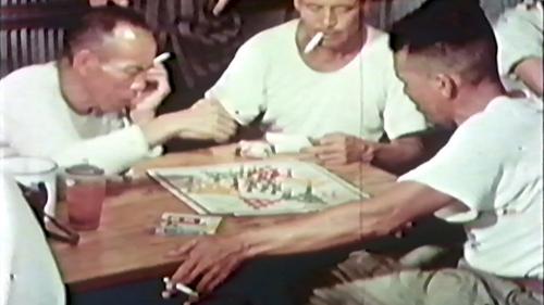 早期榮工的休閒活動之一下棋