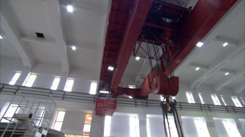 石門電廠發電機組上的吊車