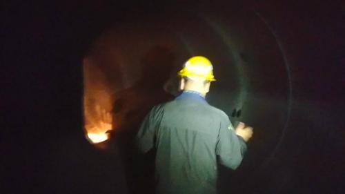 石門電廠壓力鋼管內部:直徑4.5公尺