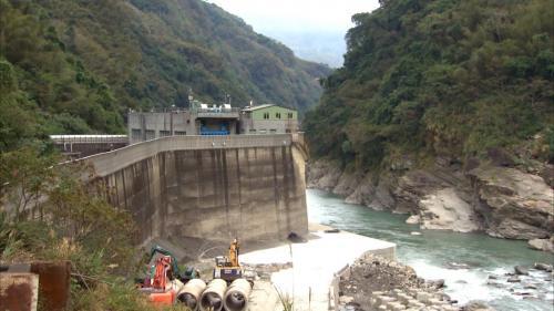 石門水庫集水區分期治理第二期計畫興建的義興電廠,1977年興建,1984年完工。