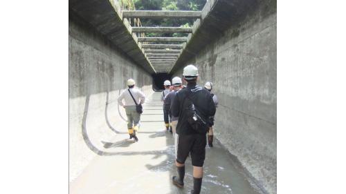 石門水庫上游的義興電廠引水隧道檢修