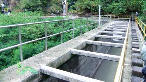 石門水庫上游的義興電廠引水隧道開渠(水路橋)