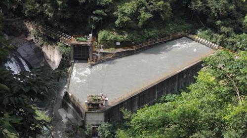 石門水庫上游的義興電廠沈砂池