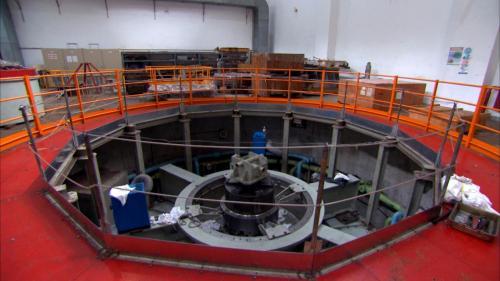 石門水庫上游的義興電廠發電機組年度特別檢修中