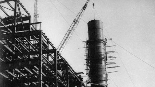 南部火力電廠建廠基礎煙囟吊裝