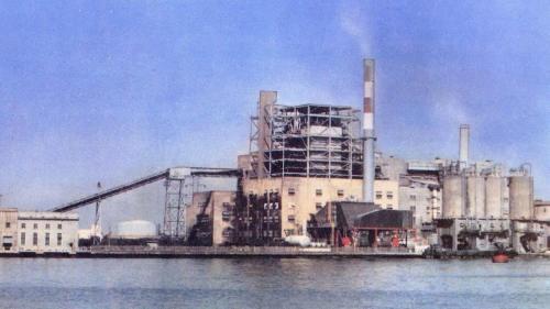 南部火力電廠舊機組廠房