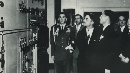 南部火力電廠建成後約旦國王胡笙蒞廠參觀