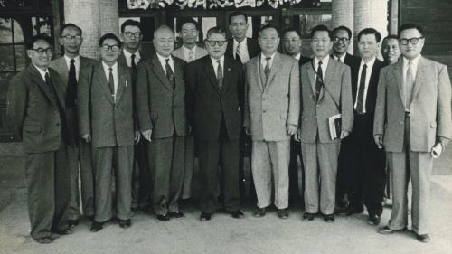 南部火力電廠建成後韓國經濟考察團蒞廠參觀