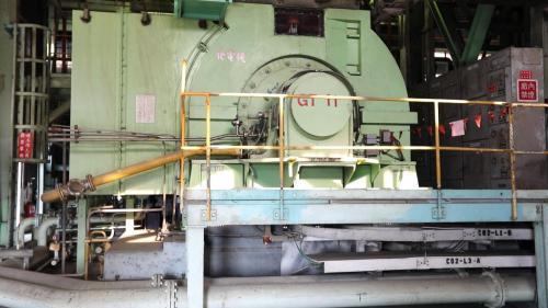 南部火力電廠現役中的燃氣複循環機組發電機GT-11
