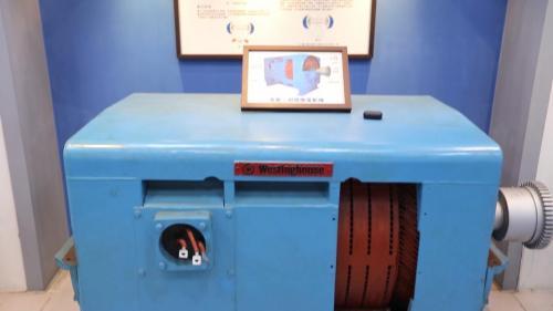 南部火力電廠電力展示館展示之高壓三相感應電動機