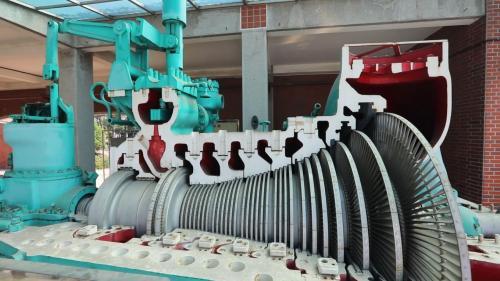 該蒸汽渦輪發電機於民國42年建造,民國44年併聯發電,民國71年除役,額定負載2萬瓩。