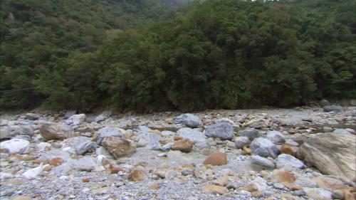 立霧電廠另一水源砂卡礑溪(枯水期)