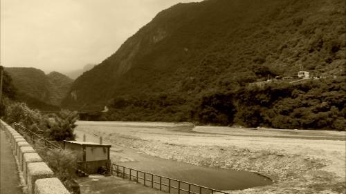 立霧電廠旁的立霧溪河段