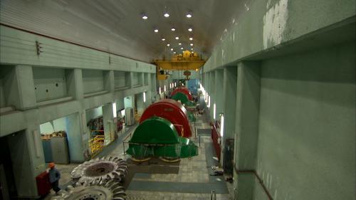 龍澗電廠於1955年5月開始興建, 1959年6月,正式完工啟用。