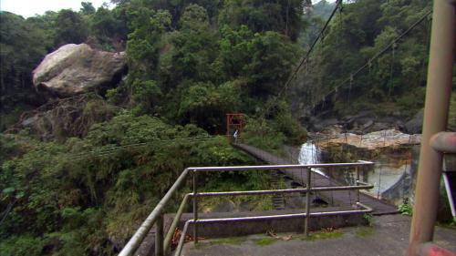 木瓜溪流域龍鳳壩上方吊橋