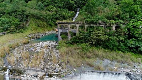 銅門電廠最早在日治時期由東台灣電力興業株式會社於1939年11月興建完工,稱為銅門發電所, 1945年遭洪水沖毀。