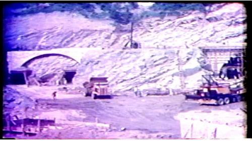 導水隧道工程於56年10月31日正式破土開工,導水隧道工程是曾文水庫第一項主要工程,包括有12公尺內徑的隧道二條,1號隧道長1240公尺,2號隧道長1083公尺。