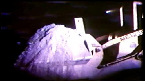 隧道採半斷面先進開挖法施工,全部要開挖石方約42萬立方公尺。