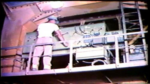 榮工處在曾文水庫工程中灌注襯砌混凝土用的鋼模有二套,這種鋼模可以自動推進,在國內還是第一次使用。