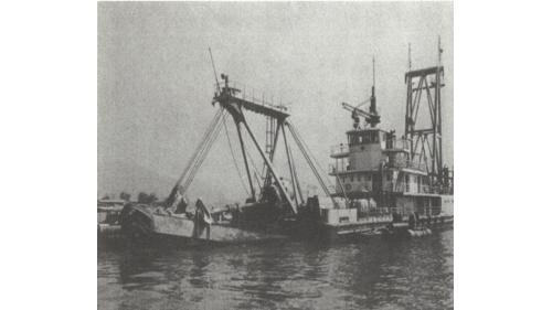 高雄港:開發一號挖泥船