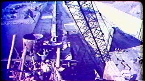 為固定溢洪道閘門,設計BBRV預力施工法製造錨座,先用一架鋼骨結構,把20組預力鋼線的位置予以固定,等全部錨座深埋在混凝土結構體中,再使用300噸級油壓機,對鋼線施預力。
