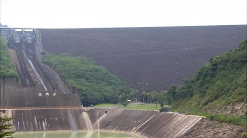 榮工處承建之曾文水庫溢洪道及消能池