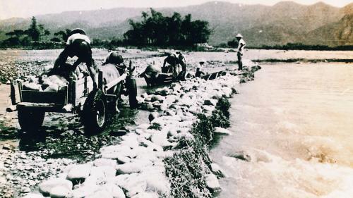 濁水溪早期石笱圍堰