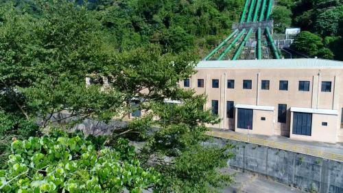 1918年8月開工,1934年6月完工。在當時是亞洲第一、世界第七大發電所。