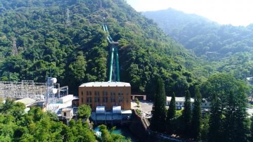 位於南投縣水里鄉鉅工村,在水里溪與銃櫃溪匯流處,於1935年12月開工,當時稱為日月潭第二發電所,1937年完工。