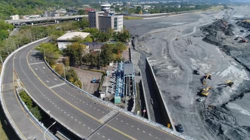 濁水溪集集攔河堰的上台3丙線道路
