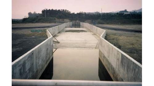 濁水溪集集攔河堰北岸沈砂池施工舊照