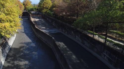 南岸聯絡渠道長38公里,前15公里為新建段,自沉砂池到斗六大圳進水口。後23公里為既有渠道擴建段,引入清水溪水源之後,經林內分水工到麥寮六輕工業區。