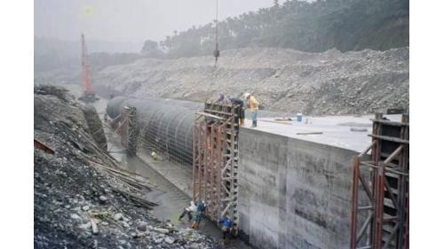 濁水溪集集攔河堰南岸聯絡渠道鋼襯混凝土管施工舊照