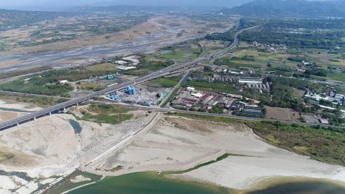 濁水溪集集攔河堰南岸聯絡渠道跨越清水溪段