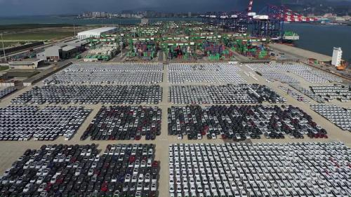 臺北港的「汽車物流中心」俯瞰