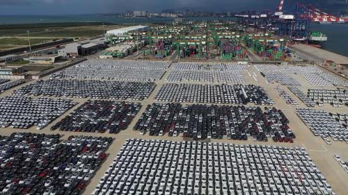 東立物流公司配合政府推動自由貿易港區,「境内關外」的運作模式,為整車進、出口及整併汽車零組件物流,臺北港的「汽車物流中心」從此誕生。