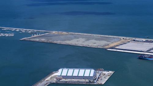 台北港2009年N3、N4碼頭旁準備興建的五座碼頭工地