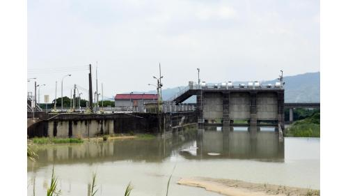 斗六大圳舊進水口匣門(左)、斗六大圳一號進水口匣門(中)、斗六堰排砂道匣門(右)