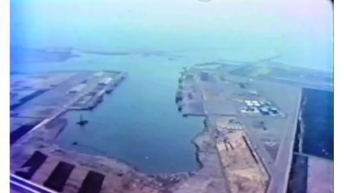 1973年10月31 日由榮工處正式展開施工,在1976年9月底提前完工,1976年10月31日由臺中 港港務局正式對外開港營運。